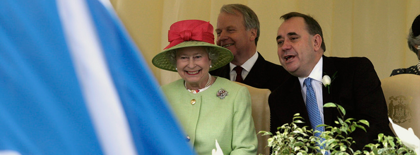 Alex Salmond e Isabel II