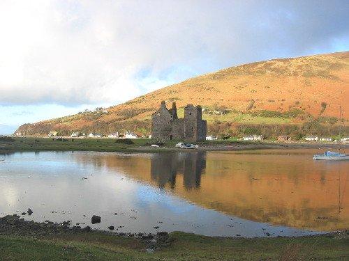 castillo de lochranza en escocia