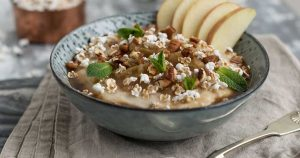 porridge con nueces y palomitas
