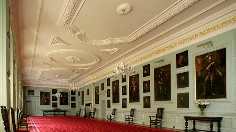 sala de los retratos del palacio de edimburgo