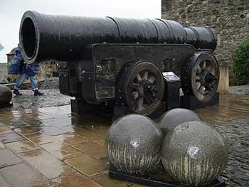 Cañon Mons Meg día de lluvia,