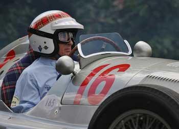 Jackie Stewart en el festivald el Motor, PSParrot. url