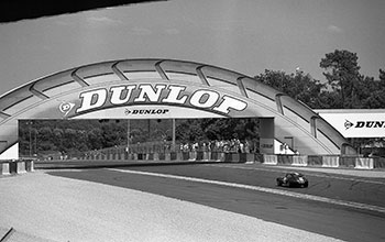 Anuncio de Dunlop en Le Mans. Wikipedia.org