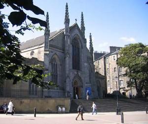 La catedral Católica de St Marys Wikipedia.org