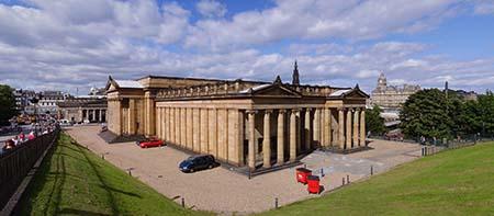 Galería Nacional de Escocia en The Mound. Wikipedia.org