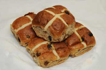 Hot Cross Bun - wikipedia.org