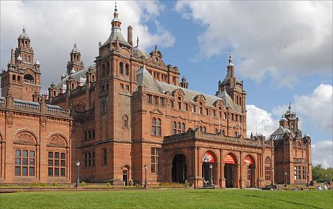 Fachada del Museo de Kelvingrove en Glasgow