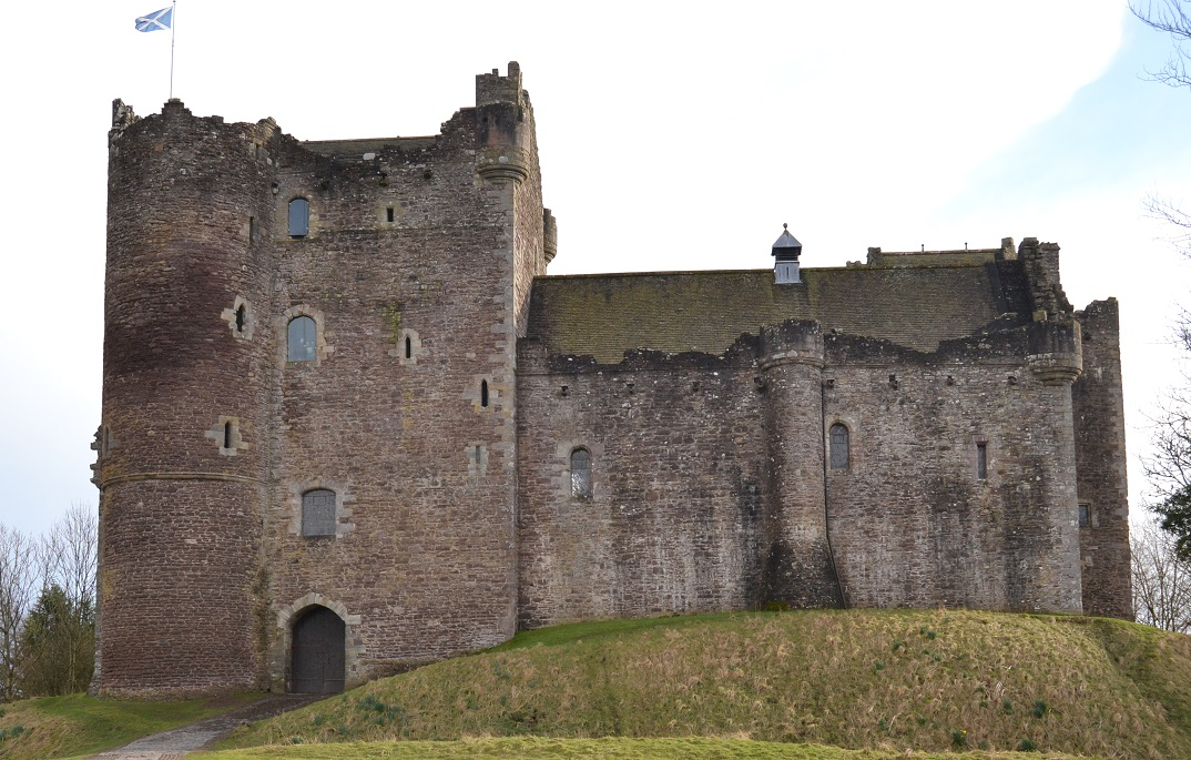 Doune Castle small A Cascallna