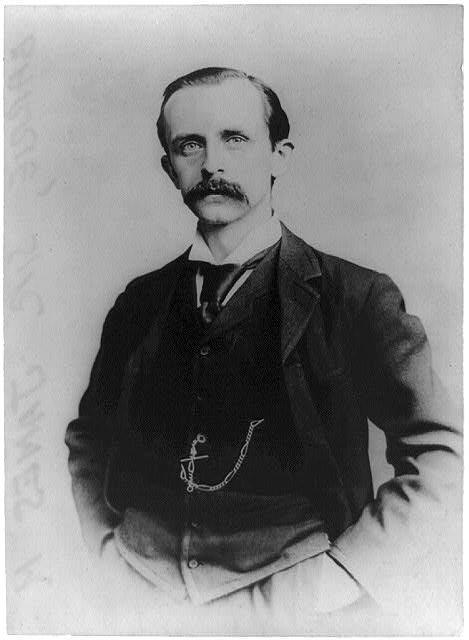 Retrato de Sir James M. Barrie sobre 1910 en blanco y negro