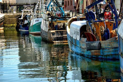 Detalle de barcas en el puerto de Troon.