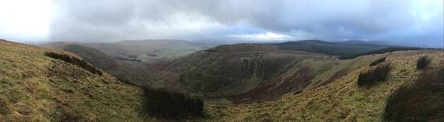 Vista panoramica de The Devil Beef Tub medio nublado