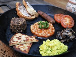 Desayuno escoces en el restaurante vegetariano en Henderson's en Edimburgo
