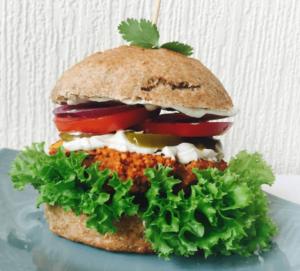Hamburguesa vegetariana en el restaurante Holy Cow en Edimburgo