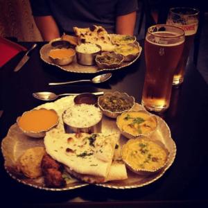 Thali en el restaurante vegetariano Kalpna