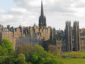 Iglesias y cementerios de la Ciudad Vieja de Edimburgo