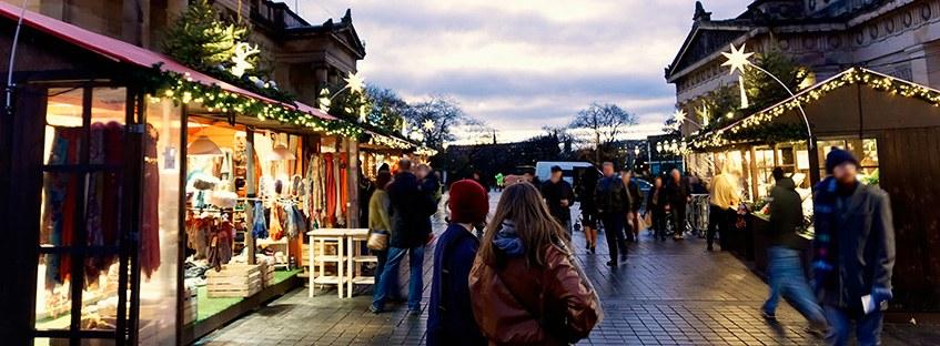 Mercado navideño en Edimburgo